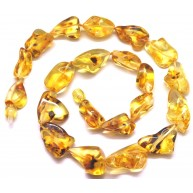 Natural shape transparent amber short necklace