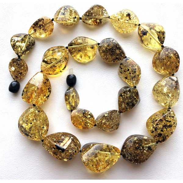 Green faceted short amber necklace -
