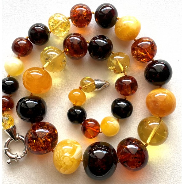 Baroque shape Baltic Amber necklace 73 g. -