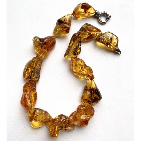 Natural shapes transparent amber short necklace 98 g. -
