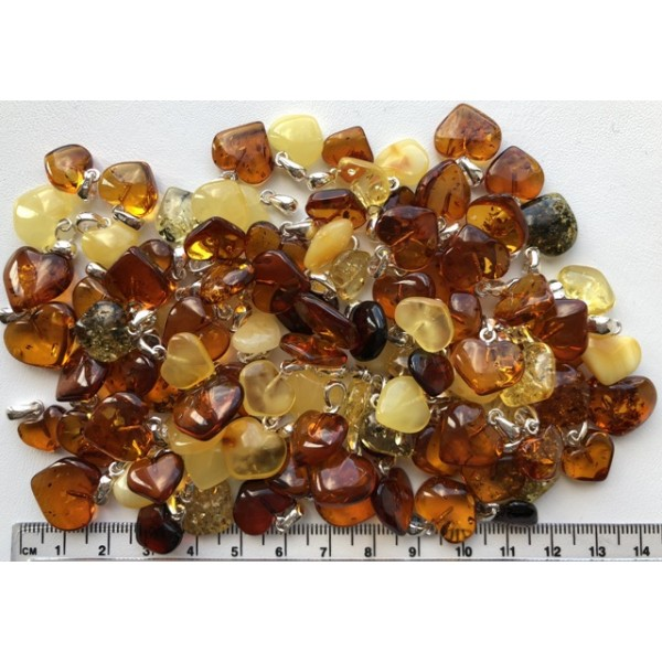 Amber pendants | 100 g Amber heart pendants
