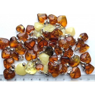 50 g Baltic amber heart shape pendants-AP1498