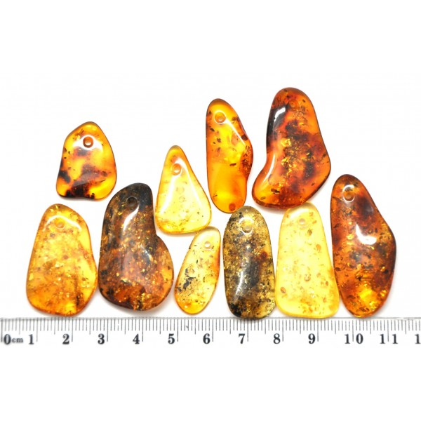 Amber pendants | 10 Baltic amber pendants with small hole