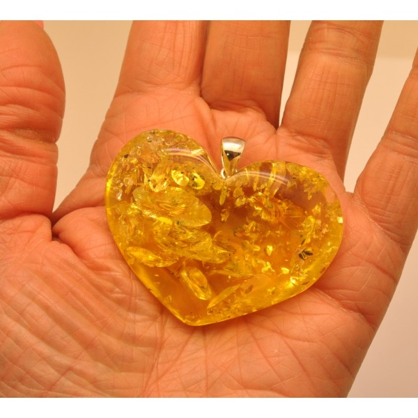 Amber pendants | Large lemon heart shape Baltic amber pendant