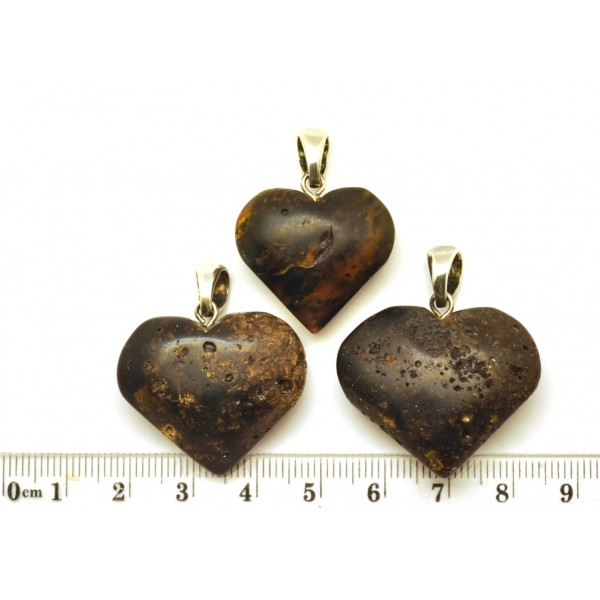 Amber pendants | Lot of 3 raw Baltic amber heart pendants