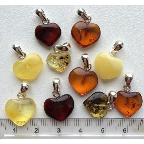 Amber pendants | 10 Baltic amber heart shape pendants