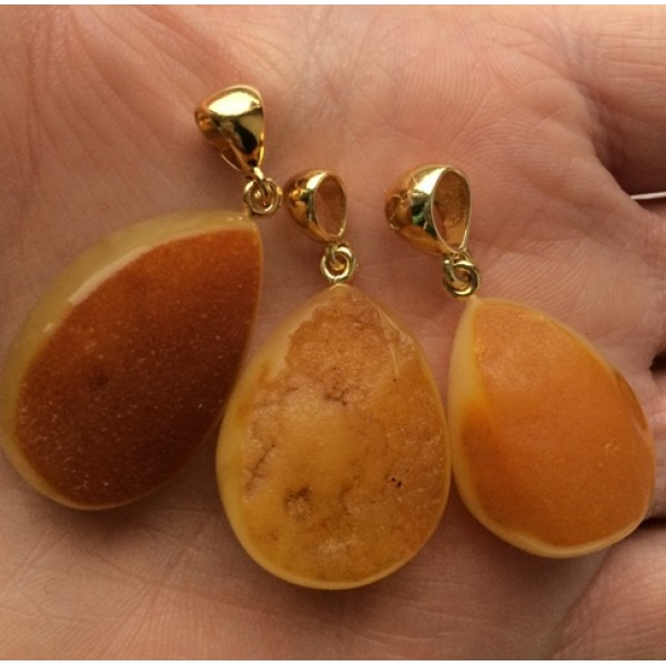 Amber pendants | Lot of 3 raw Baltic amber pendants
