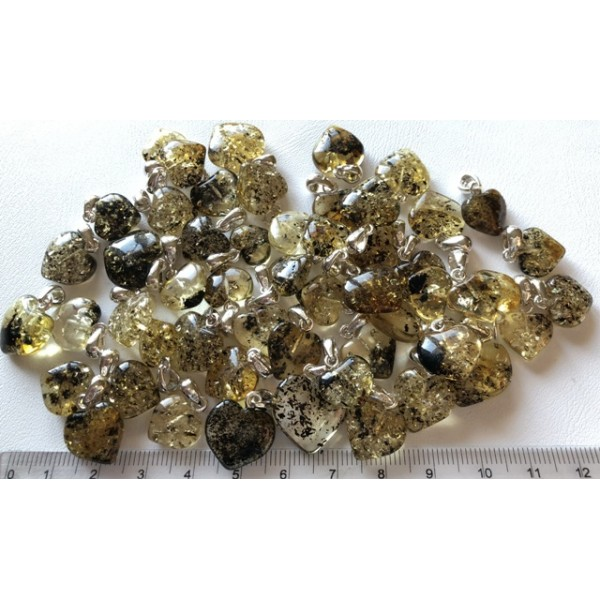 Amber pendants | 50 g Baltic amber heart shape pendants