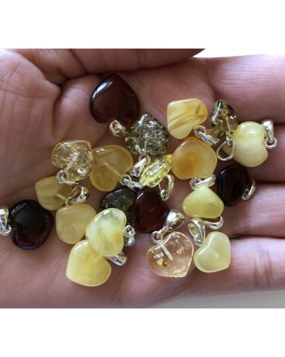 20 pcs Baltic amber heart shape pendants