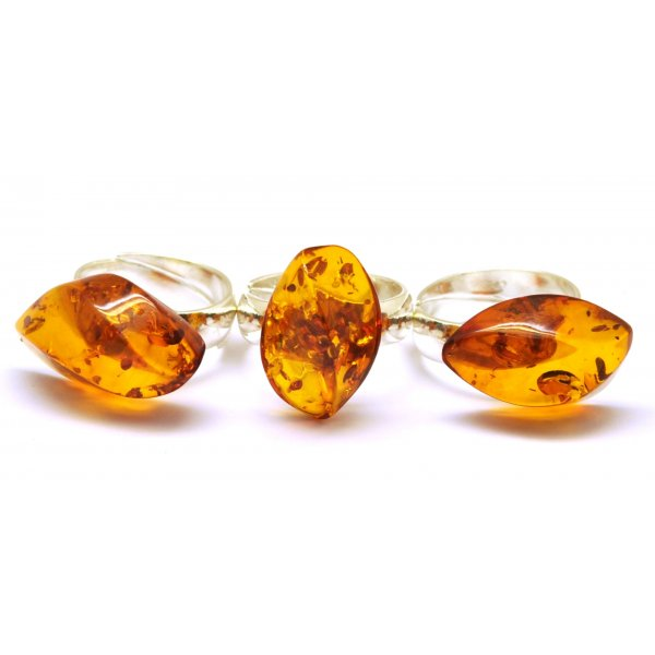 Lot of 3 Baltic amber rings-AR0134