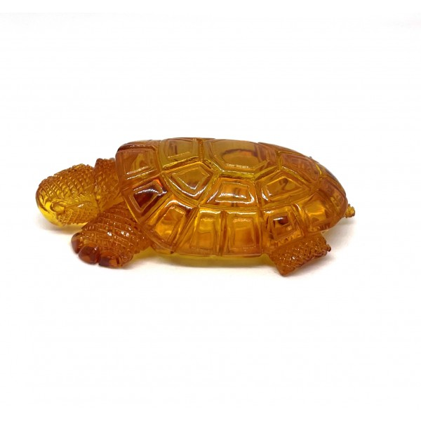 Hand carved amber figure of turtle 12,6 g. -