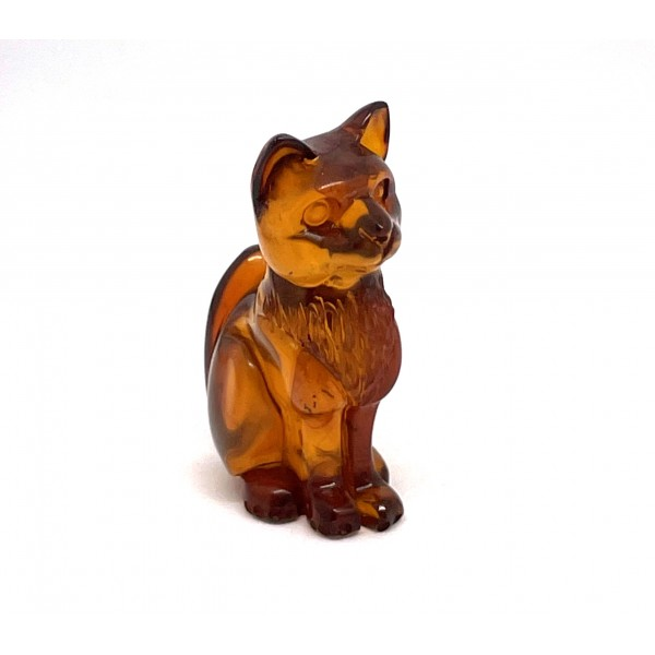Hand carved Baltic amber figure of cat 4.9 g -