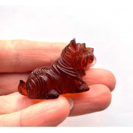Hand carved Baltic amber figure of dog 8g.