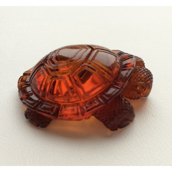 Amber figures | Hand carved amber figure of turtle