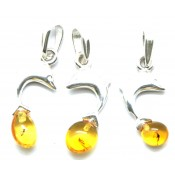Lot of 3 Baltic amber pendants with insects
