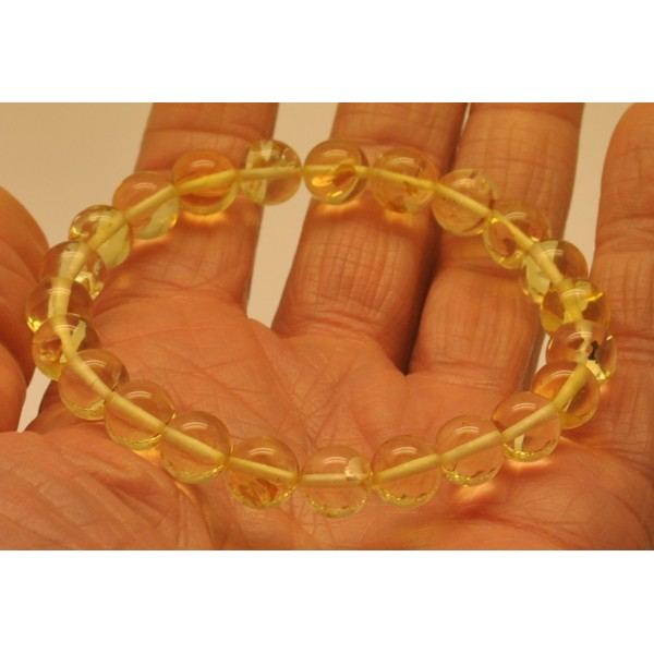 Natural transparent round beads amber bracelet  8,5 mm.